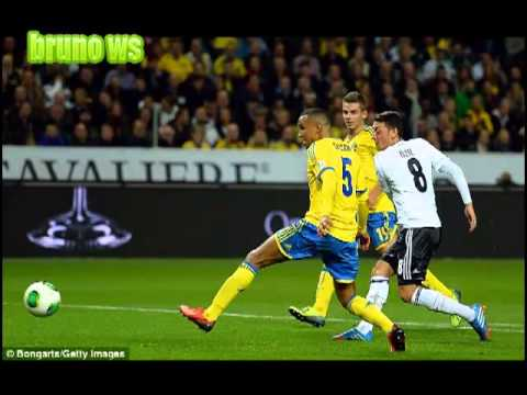 Mesut Ozil picks up knee injury as Germany defeat Sweden 5 3