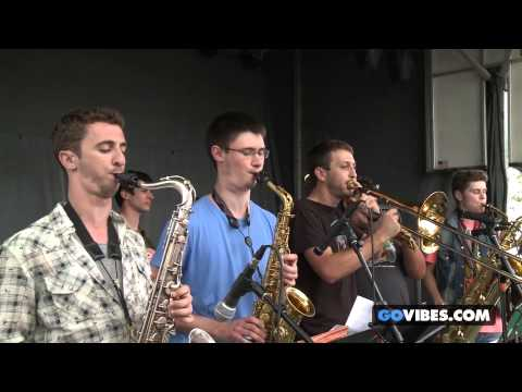 "McLovins perform ""Cohesive"" at Gathering of the Vibes Music Festival 2013"