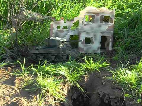 M4A1(76)W Sherman RC Tank with recoiling scale barrel.wmv