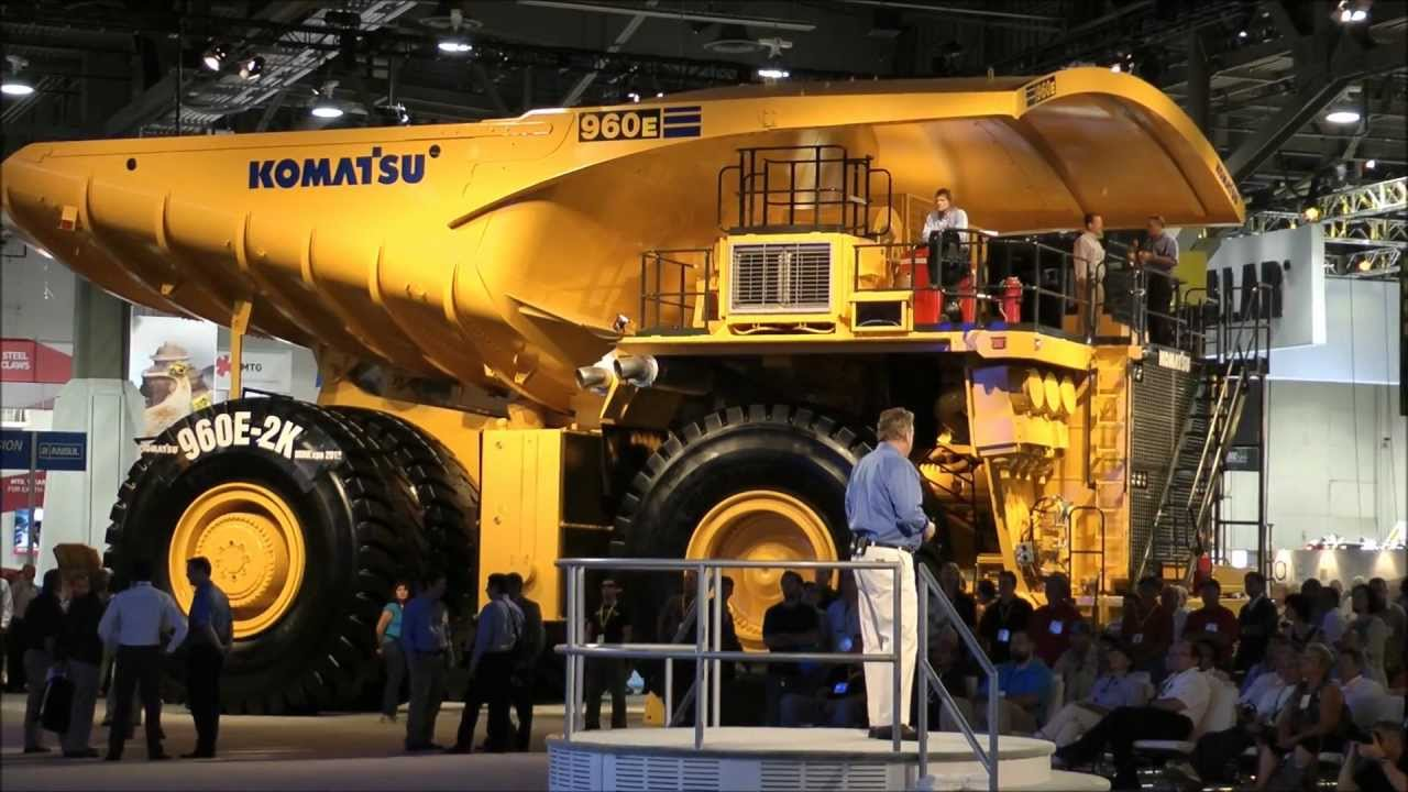 The Komatsu 960E-1: a piece of cake to drive