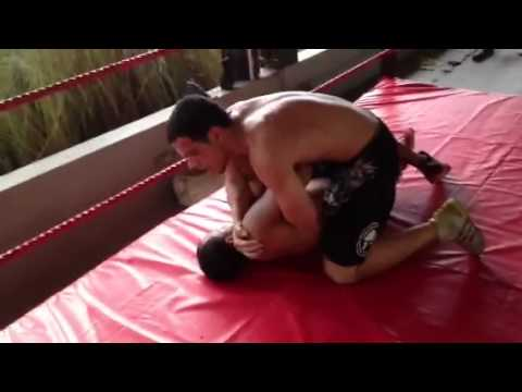 Mma training grappling Image 1