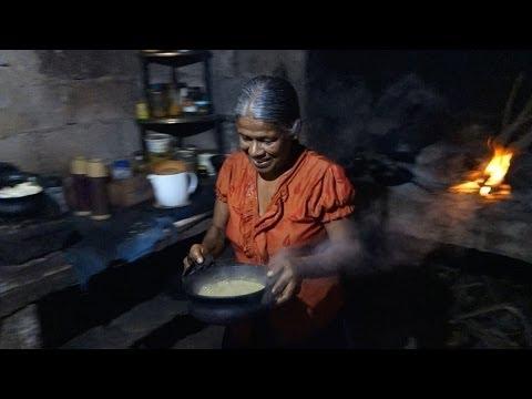 How To Make A Pumpkin Curry    Sri Lankan Style Vegan Recipe    Dýňové Kari video