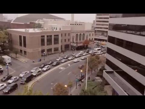 Testigos de Jehová(El lujosísimo teatro STANLEY de la Sociedad Watchtower en New Jersey)