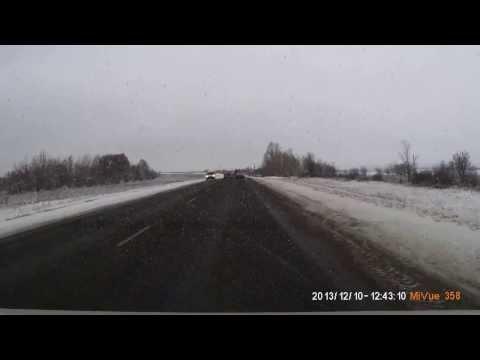 Экипаж ДПС слетел с трассы в кювет. Саратовская область, Сенная.