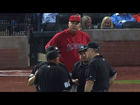 LAA@HOU: Scioscia files protest after pitching change