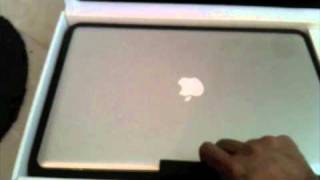 Apple Macbook Pro (2010) 17 Inch Review_ Unboxing