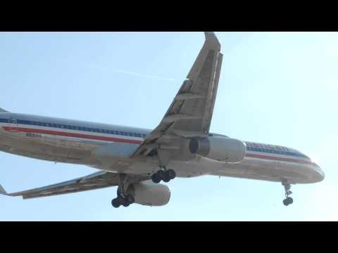 American Airlines Boeing 757-200 [N691AA] landing in LAX
