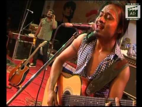 Mohit chauhan live in concert. khoon chala (rang de basanti)