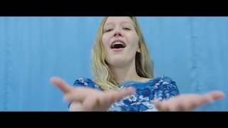 "Julia Jacklin - ""Cold Caller""のMVを公開 新譜シングル「Eastwick/Cold Caller」7inchアナログ盤収録曲 thm Music info Clip"