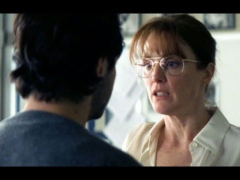 The English Teacher - Official Trailer (HD) Julianne Moore