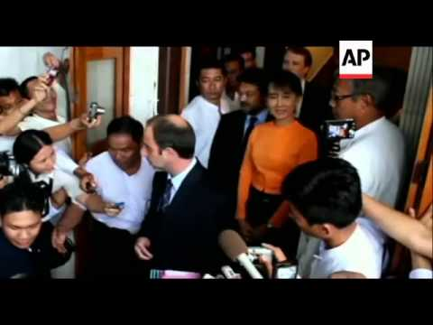 "Suu Kyi ""encouraged"" after meeting UN human rights envoy"