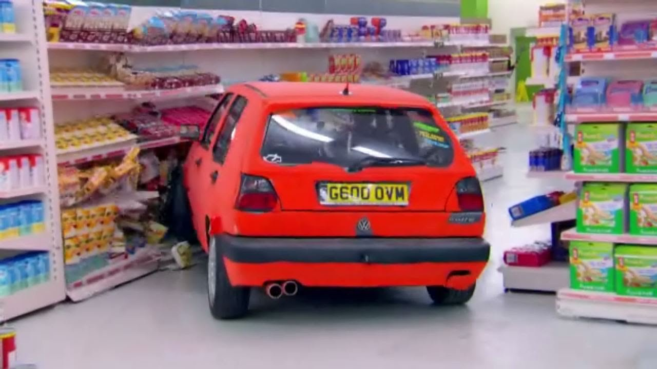 Golf Gti Top Gear >> Top Gear - Jeremy Clarkson drives a Volkswagen Golf GTI MK2 in a supermarket - YouTube