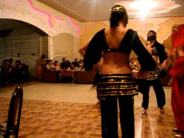 sexy Arab girl dance