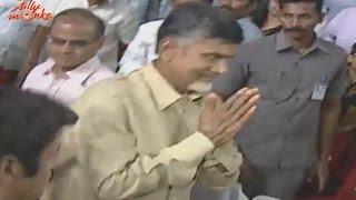 chandrababu-naidu-entrance-lion-audio-launch-balakrishna-trisha-krishnan-radhika-apte