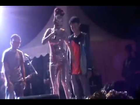Heboh Goyang Hot Zaskia Gotik Di Pegang Oleh Penonton!!