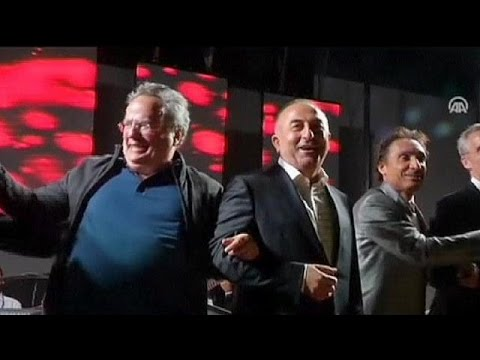 NATO foreign ministers sing 'We Are the World' - no comment