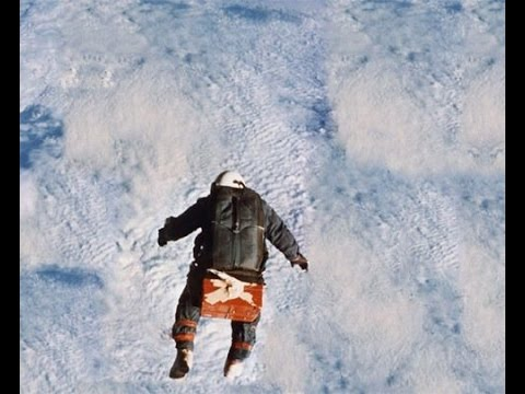 Flat Earth - 1960 Joseph Kittinger 19.47 miles skydive proves the Earth is flat