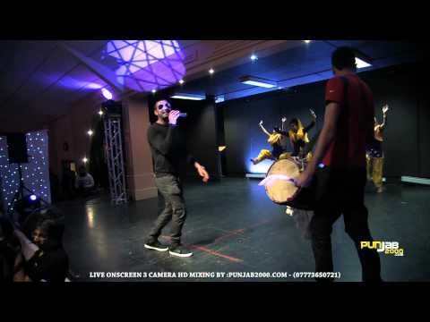Punjab2000 - Bhangra Wars 2011 - Garry Sandhu singing Tohar...