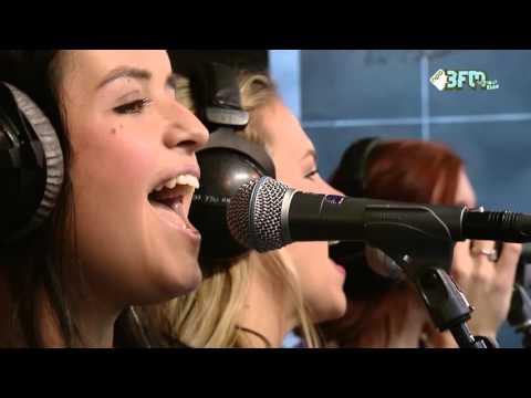 K3 zingt live in Het Glazen Huis 'Oya Lélé'