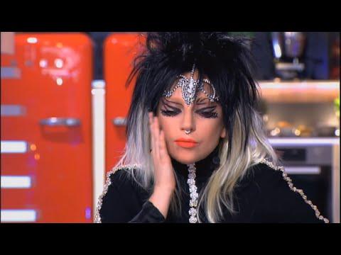 Les Larmes De Lady Gaga Dans C à Vous Le 31 Octobre! video