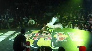 Red Bull BC One  Cypher 2011 Colombia - Final: Bboy siryx Vs Bboy Dm.