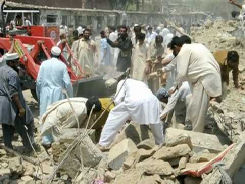Bomb Kills At Least 26 In Pakistan Market, Injures 65`