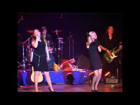 Dorogudo и Дина Гарипова cover на песню группы Мумий Тролль    Инопланетный гость 2009 год концерт П