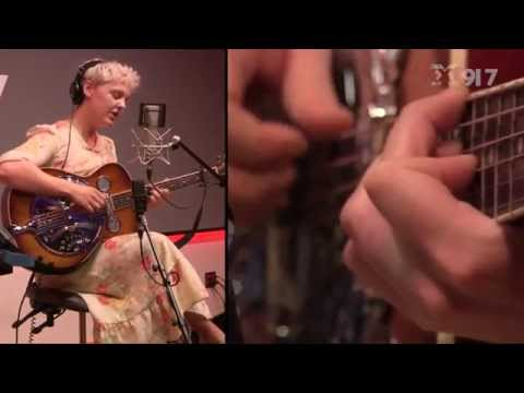 Laura Marling - Daisy