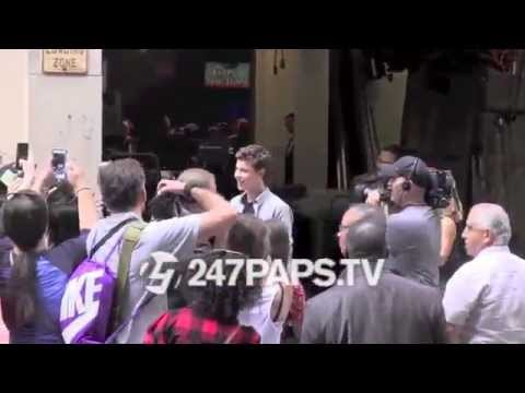 (New) Shawn Mendes stops for hundreds of fans at the Kelly and Michael Show in NYC 07-24-14