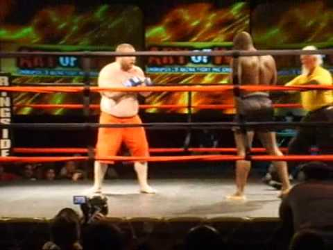 Heavyweight Sanshou Fight - Action packed & hillarious Image 1