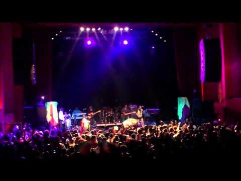 Teddy Afro  concert - Tikur Sew.mp4