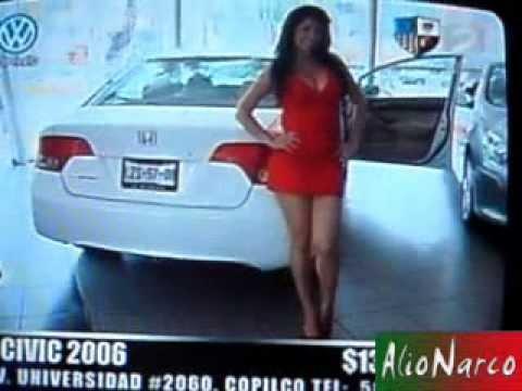 Carolina Rodriguez en Minivestido Rojo