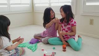Twinkle Kids toy review mermaid tail playing with slime and princess mechanical pencils