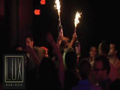 Male stripper Male Strip Club hunk Bridal Party Bachelorette party, ...
