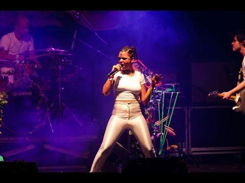 Bomba Estereo - Soy yo (Fifa16 Soundtrack) - Sala Caracol (live) [HD]