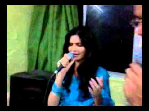Isharon Isharon Men Dil Lene wale from Kashmir Ki Kali = Ramesh & Khushali