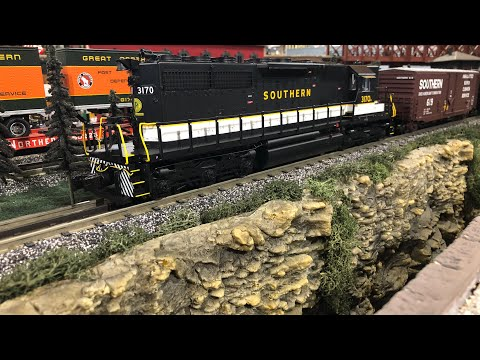 MTH DCS/Lionel Legacy Layout January 2018 O Scale Layout Review.