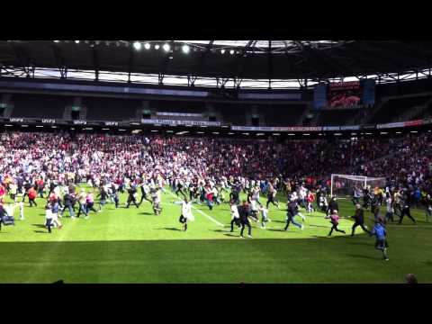 The final few minutes of MK Dons match against Yeovil today!!! Possible promotion? Watch and see....