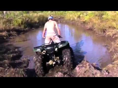 Four Wheeler In Deep Mud Hole Youtube