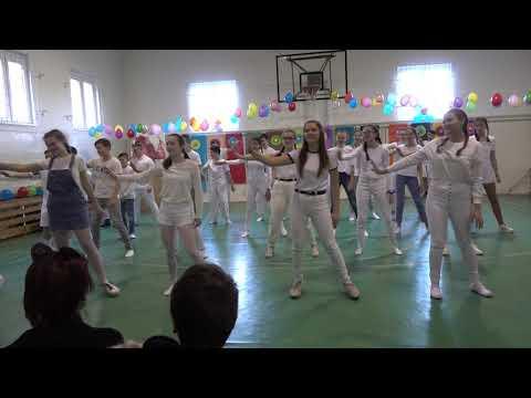 8 a - Jégvarázs (AJRG Farsang 2020)