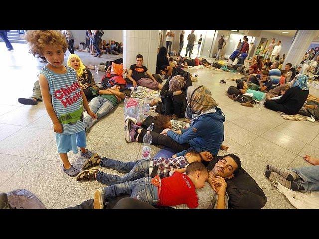 ایستگاه قطار بوداپست همچنان به روی پناهجویان بسته است