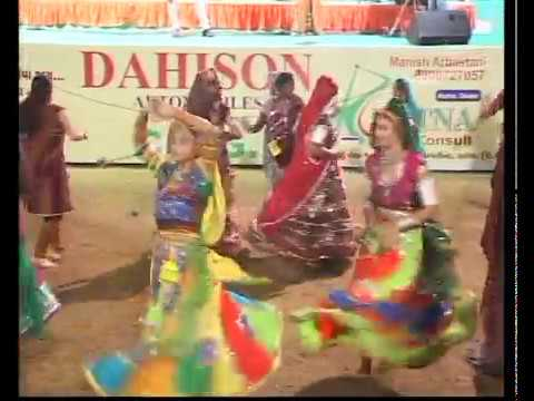 Gujarati Garba Song Navratri Live 2011 - Lions Club Kalol - Jignesh Kaviraj - Day -3 Part - 14 video
