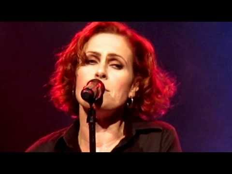 Alison Moyet Live in New York 2013 Ordinary Girl (Re-worked)