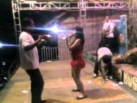 Rifana Swara..hot Organ Tunggal,,,lucu Bikin Ngakak Abiizzz...!!! video