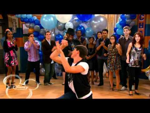 buena suerte charlie-   spencer y m bailando