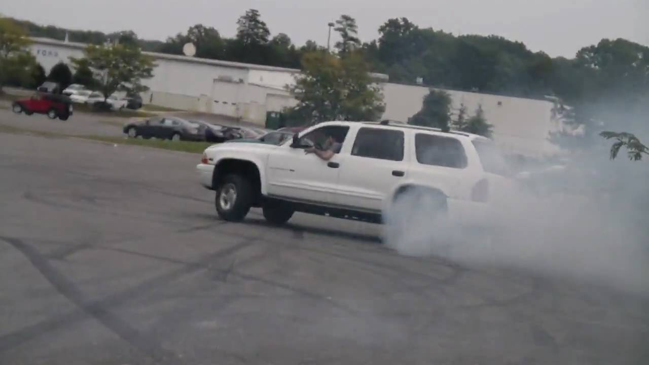 Dodge Durango Burnout And Drift Youtube