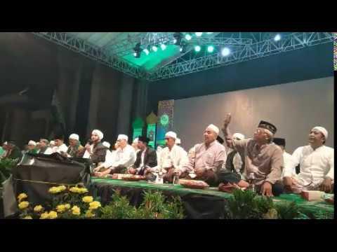 Masjid Nasional Al Akbar Surabaya Bershalawat Bersama Habib Syekh bin AA.