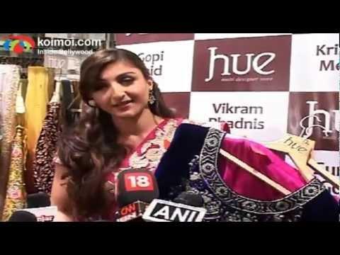 Soha Ali Khan Checking Out Hue Fashion's New Collection