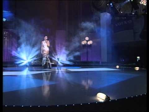 Nina Badrić - Ne daj mi da odem @ Miss BiH 2002