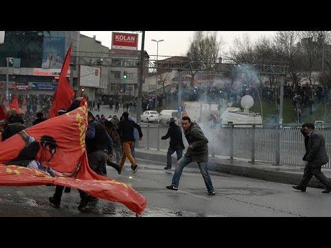 Turquia: Homenagens a Berkin Elvan terminam em confrontos com a polícia